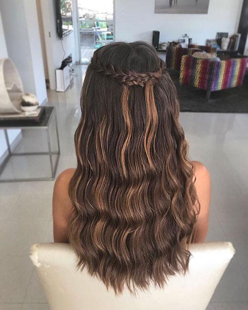 Best Haircut For Long Wavy Hair